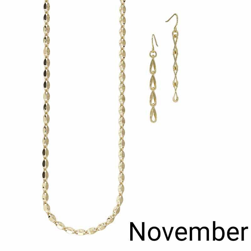 Golden Essentials Necklace Collection 6564 001 3 12