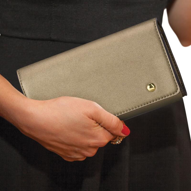 The Sloane Metallic Handbag Set 5519 0011 n modelwithclutch