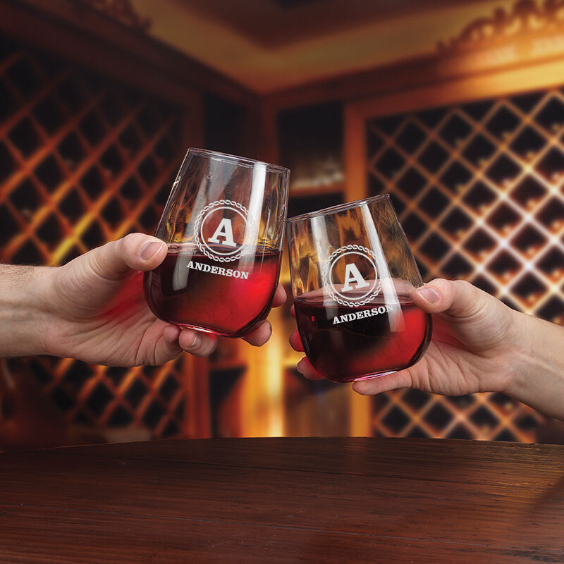 The Personalized Set of Four Wine Glasses 5675 001 1 2
