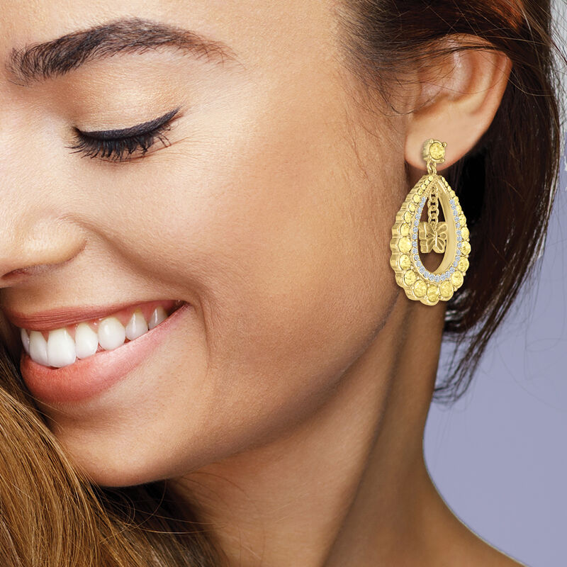 Monthly Crystal Earrings 6881 0019 m model