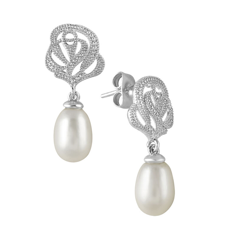 A Year of Pearl Essentials 6075 0023 g earring3