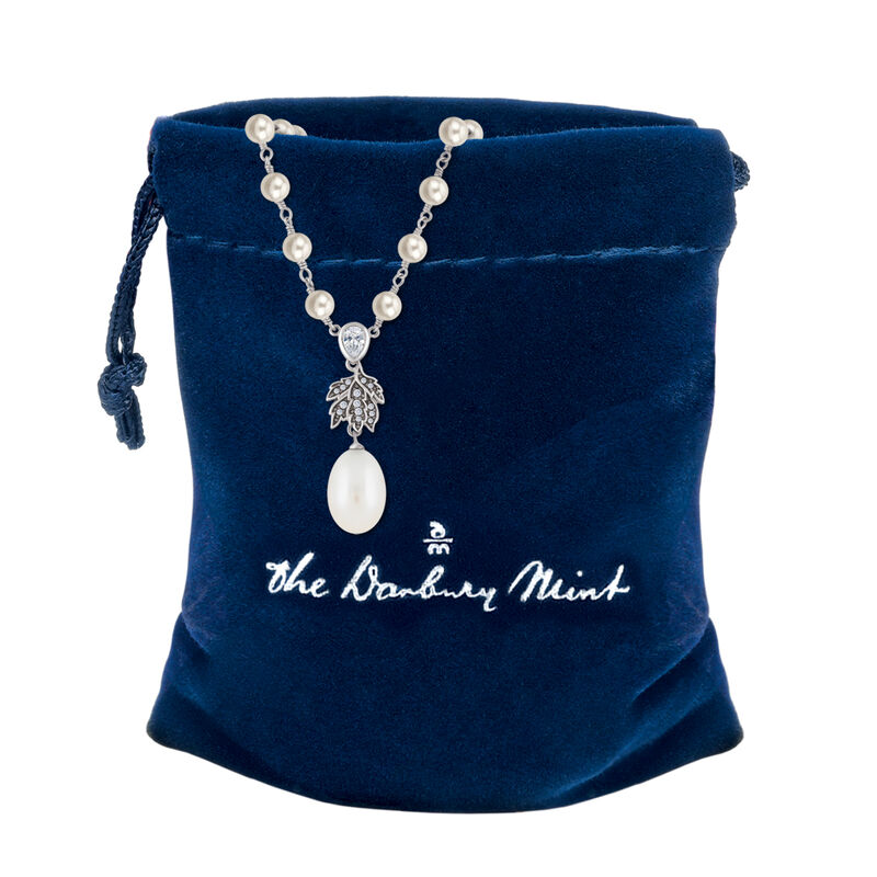 The Wanderer Pearl Necklace 6742 0018 g pouch