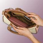 The Hope Handbag 5321 001 9 2