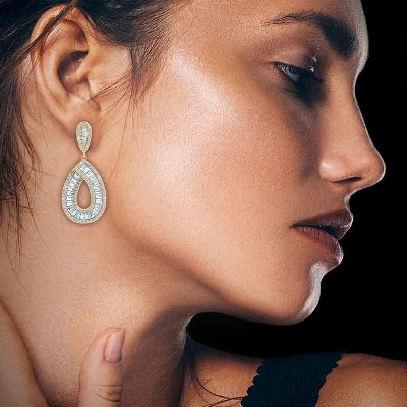 Golden Delights Teardrop Earrings 6106 001 8 3