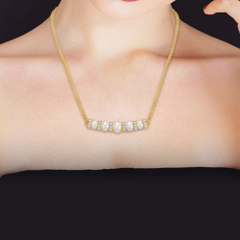 Opulent Beauty Pearl Necklace 6743 0017 m model