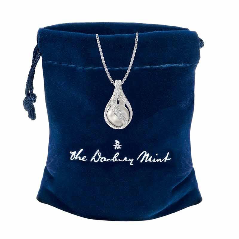 Loves Embrace Pearl  Diamond Pendant 6773 001 0 2