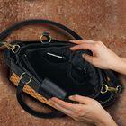 Tres Magnifique Designer Handbags 5047 001 2 3