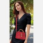 The Personalized Isabella Crossbody Handbag Set 5440 001 5 5