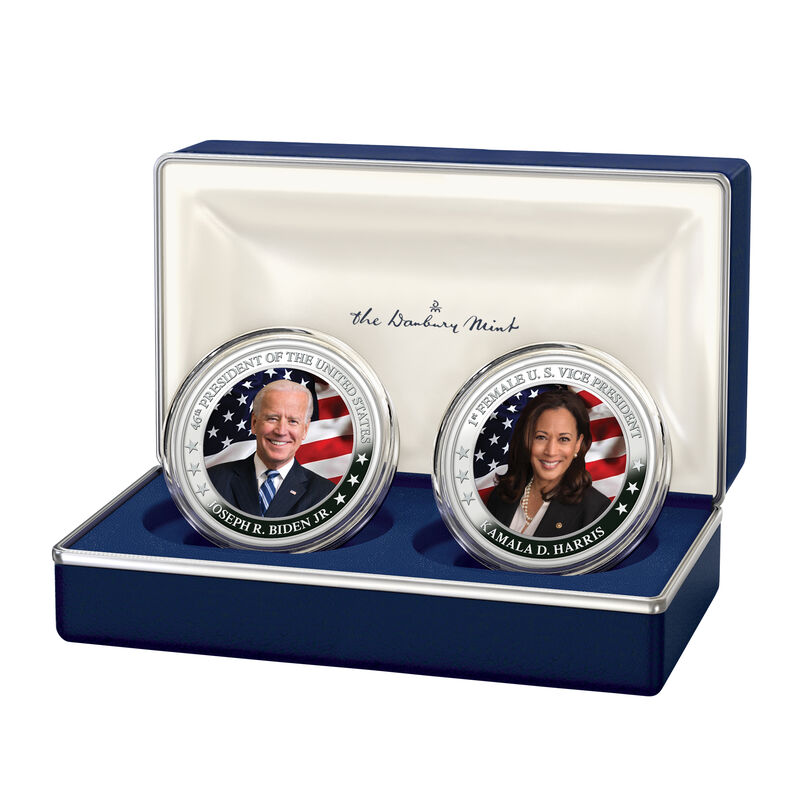 The President Biden and Vice President Harris Silver Bullion Commemorative Set 10236 0013 a display