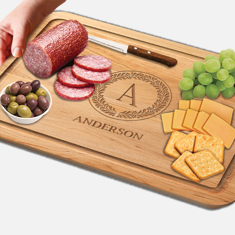 The Personalized Vermont Maple Cutting Board 1468 001 1 2