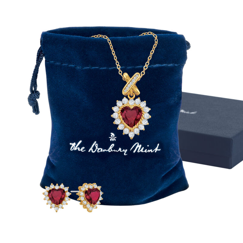 Perfectly Paired Heart Pendant and Earring Set 6574 0011 g pouch box