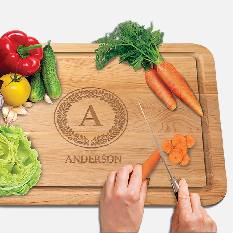 The Personalized Vermont Maple Cutting Board 1468 001 1 3