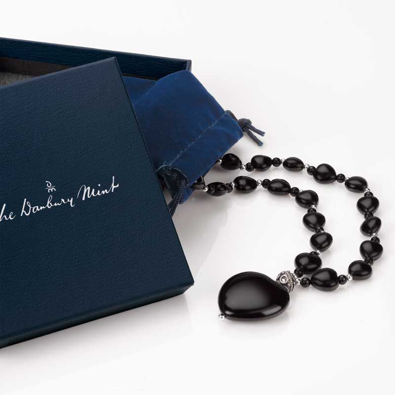 Onyx Heart Necklace 8309 001 9 2